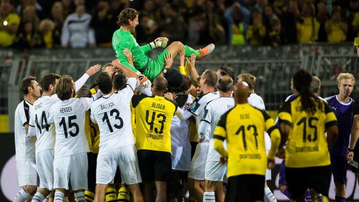 Legenda otišla sa stilom: Weidenfeller postigao dva gola na oproštaju!