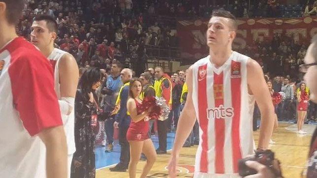 Delije skandirale protiv Omića, normalni navijači i igrači stali u njegovu odbranu