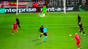 """Golman Eintrachta doživio je trenutak užasa u Belgiji: """"Ovo nema veze s nogometom"""""""