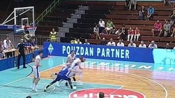 Na momente je izgledalo kao da u Skenderiji igra NBA tim