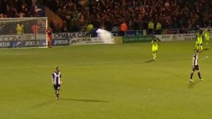 Od šoka se tresao: Celticovi huligani petardom na golmana
