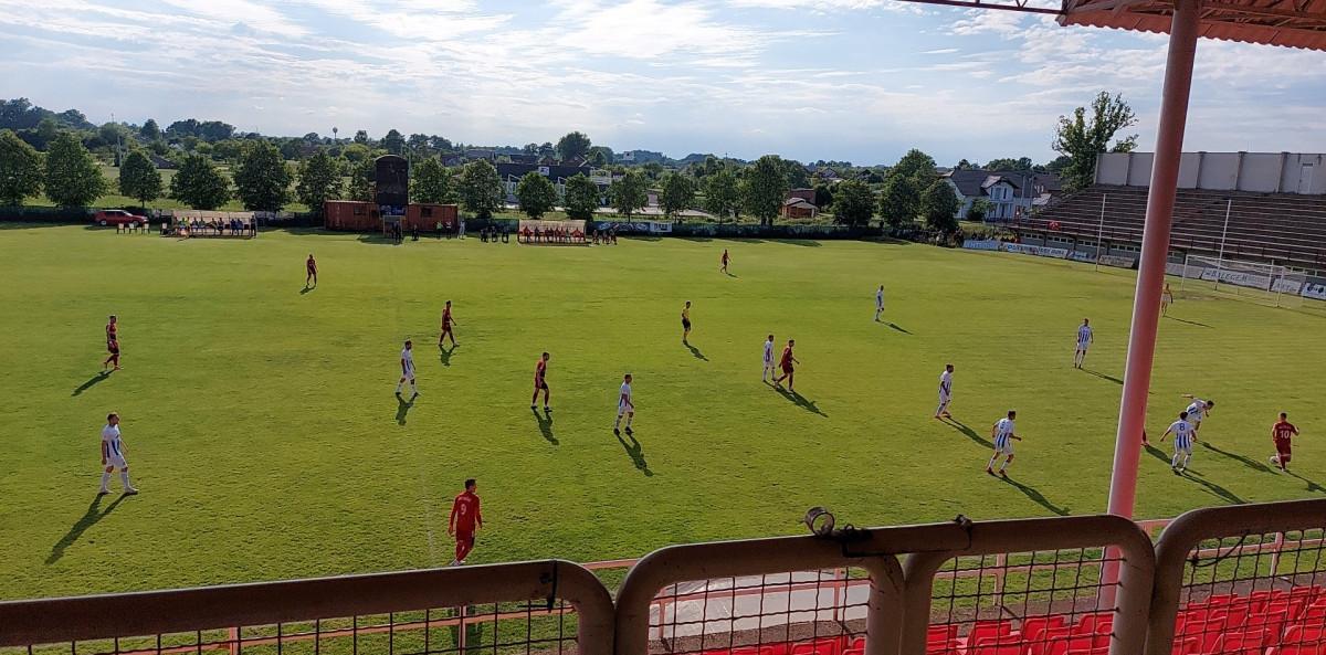 Remi u Orašju, gosti razočarani suđenjem,  Simm Bau vodio 2:0, pa osvojio bod