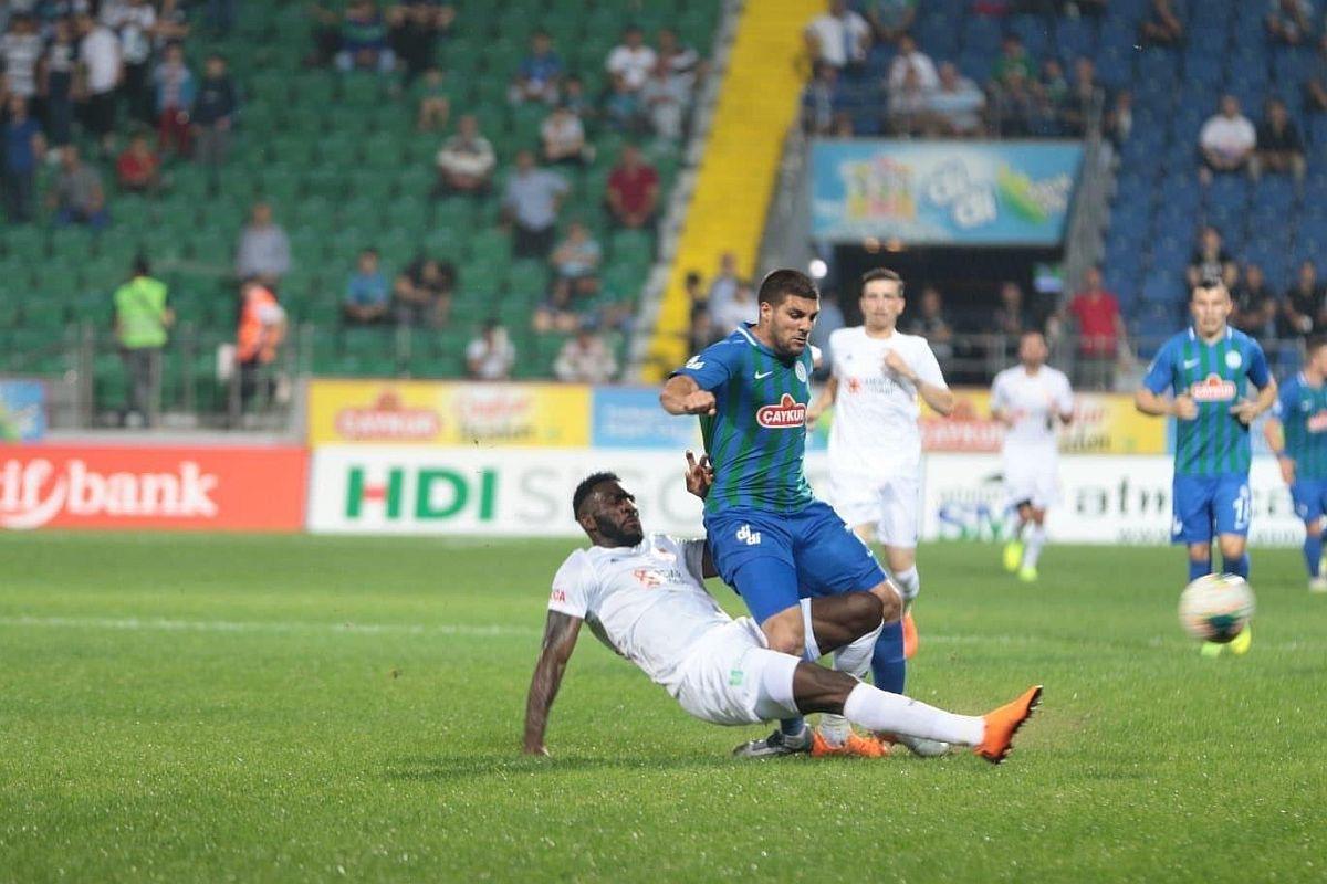 Kakav baksuz: Nije otputovao na utakmicu jer su ga zaboravili na autobuskoj stanici!