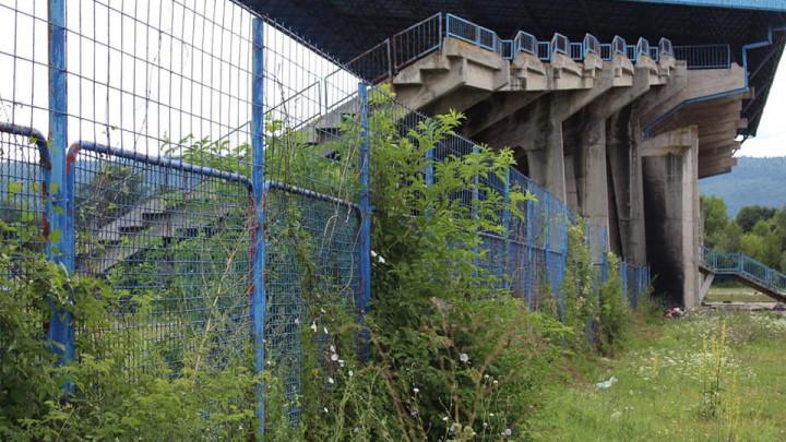 Tužne slike iz Bugojna: Iskra se gasi, stadion u očajnom stanju