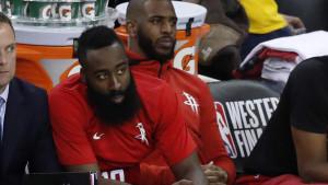 Curry se izlanuo: Odlazi li Brada iz Houstona?