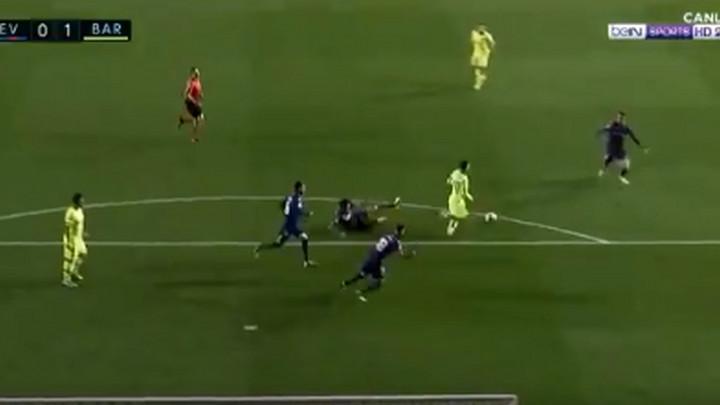 Genije i tačka: Messi jednim potezom izbezumio polovinu Levanteove ekipe