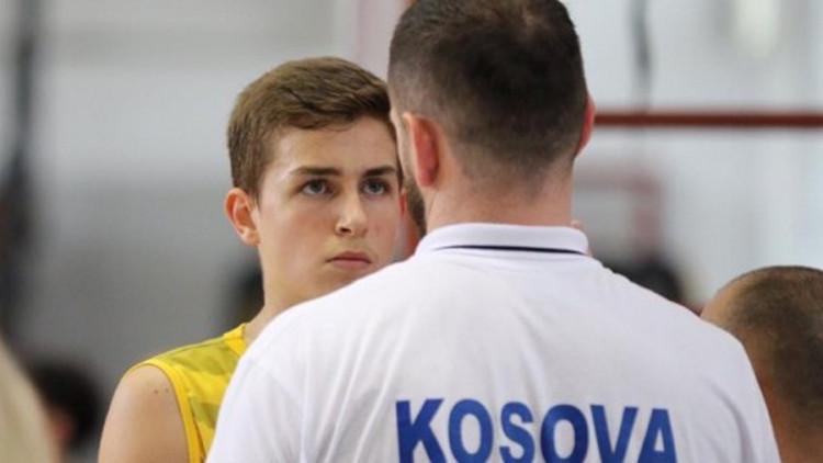 U posljednji čas odobrene vize za dječake s Kosova