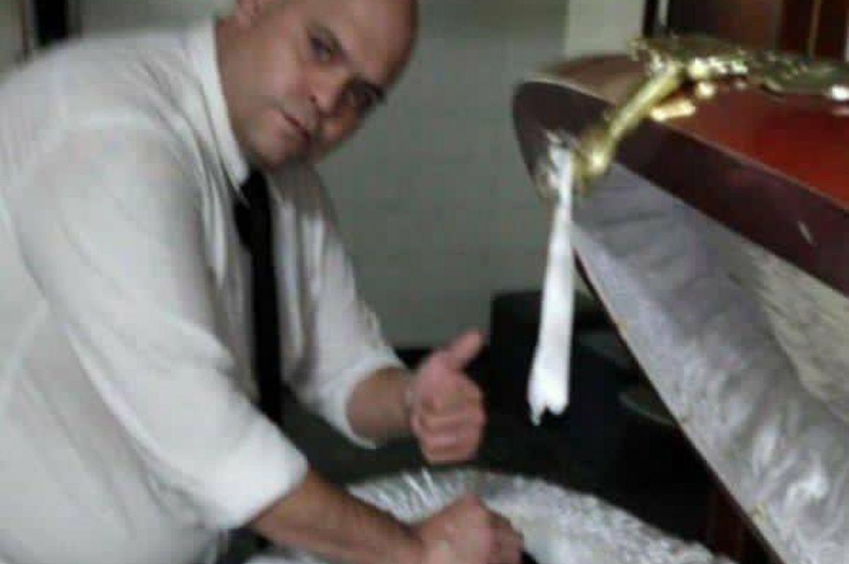 Napravio fotografiju s mrtvim Maradonom, ali bolje da nije!