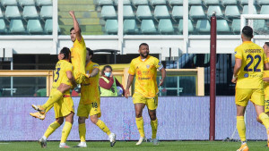 Cagliari slavio u Torinu, Gojak meč odgledao s klupe