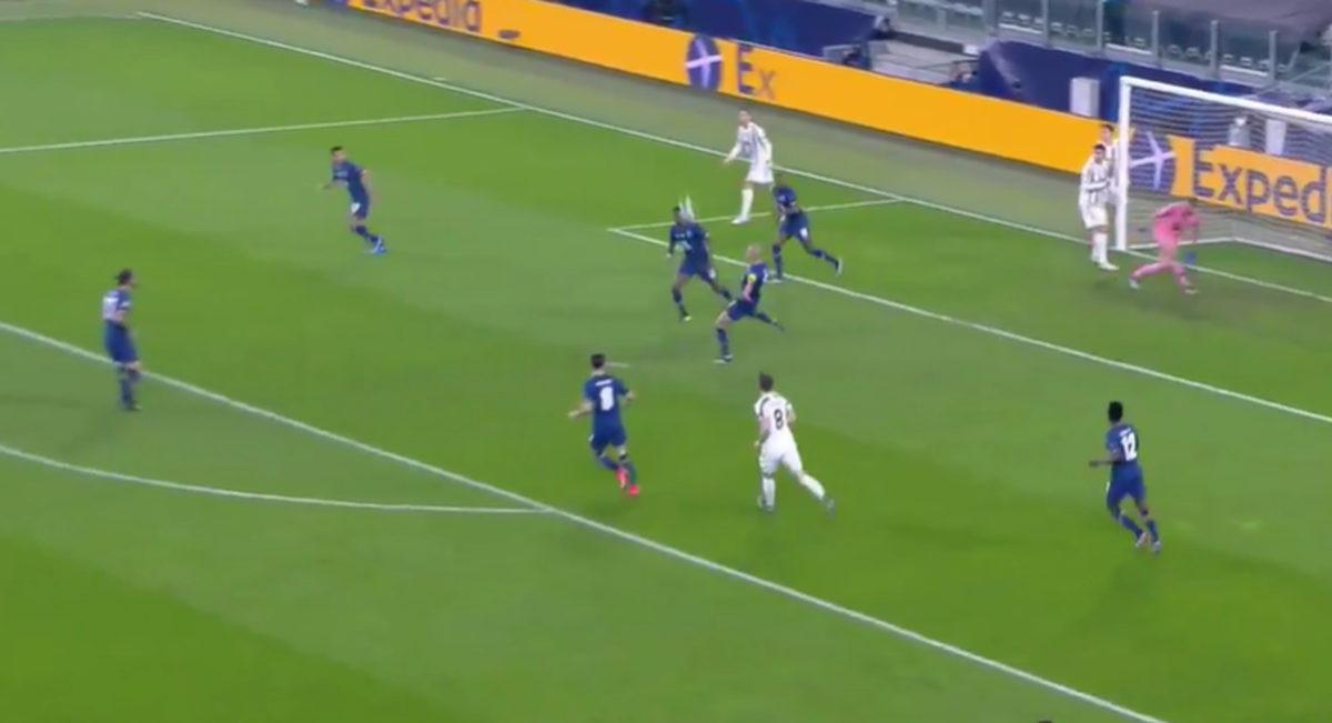 Čudesna odbrana golmana Porta, Morati nije jasno kako to nije gol