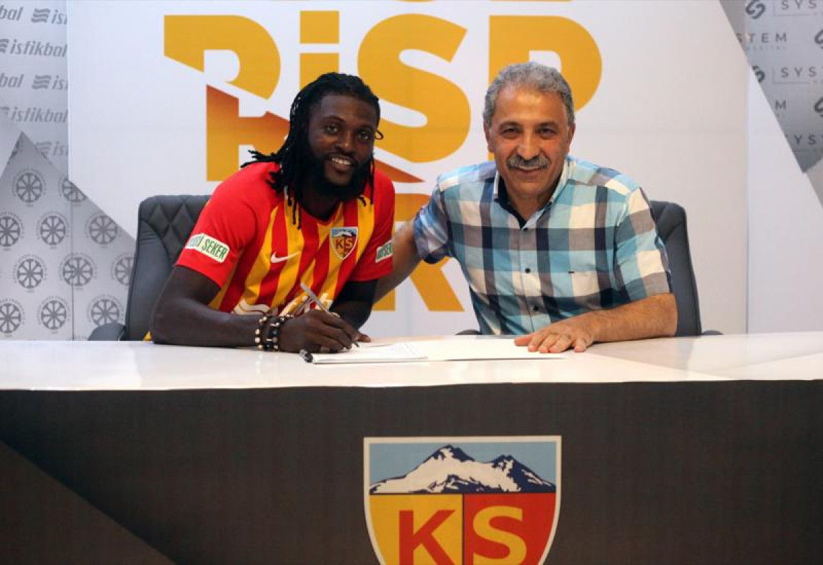 Adebayor potpisao za Kayserispor