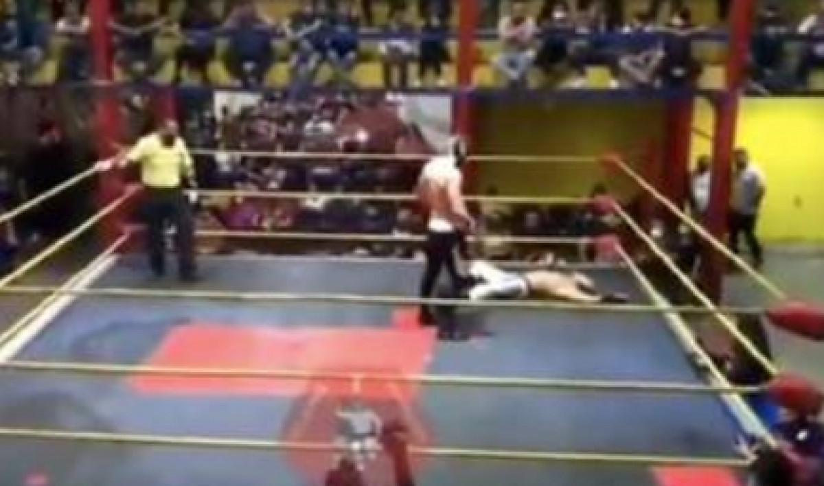 Stravične scene u ringu: Borac umro tokom borbe