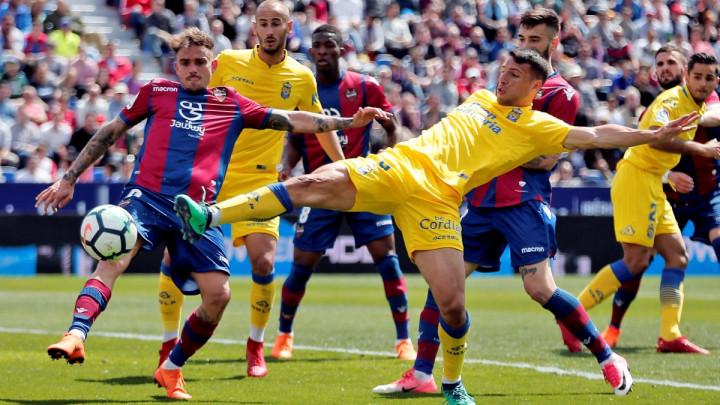 Levante s igračem manje do velike pobjede protiv Las Palmasa