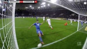 Pa, zašto? Pogledajte izraz igrača kojem je Kramarić 'ukrao' gol