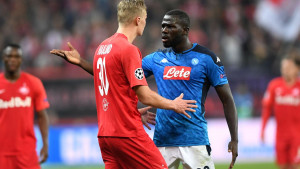 Koulibaly pojačava Manchester United, Smalling na izlaznim vratima