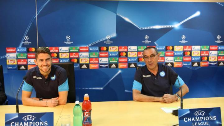 Englezi sve otkrili: Pada u vodu priča da je Jorginho Sarrijev miljenik