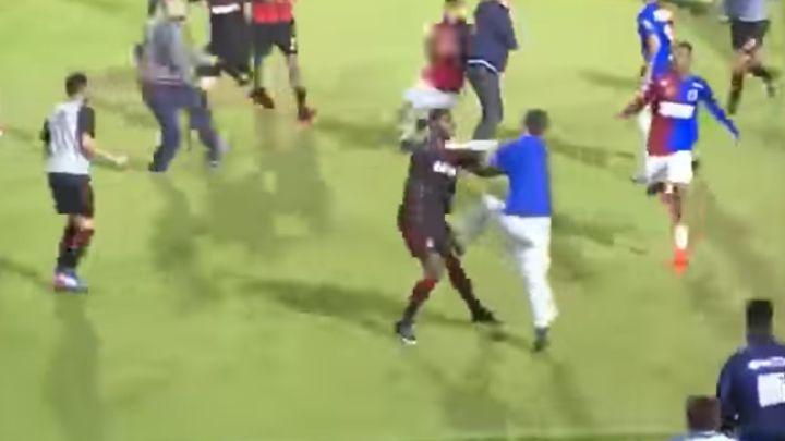 Haos u Brazilu: Masovna tuča na utakmici