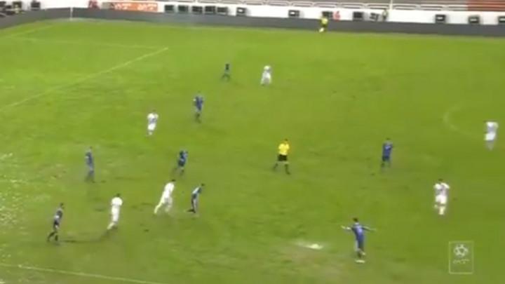 Lopta se jedva kreće Pod Bijelim brijegom, a situacija je posebno teška na jednom dijelu terena