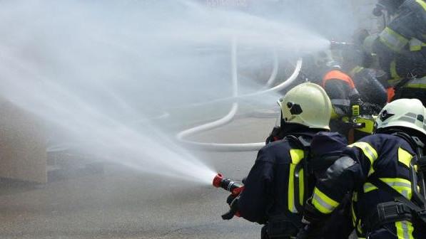 Zapalio se autobus kojim su putovali košarkaši Bošnjaka