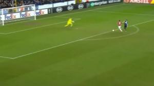 Nevjerovatna greška odbrane Club Bruggea koju je Martial žestoko kaznio