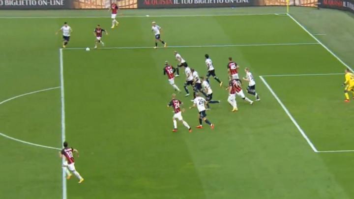 I gol s penala izgleda efektno kada ga Ibrahimović izvede