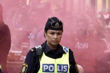Atraktivna švedska policajka očarala navijače Uniteda