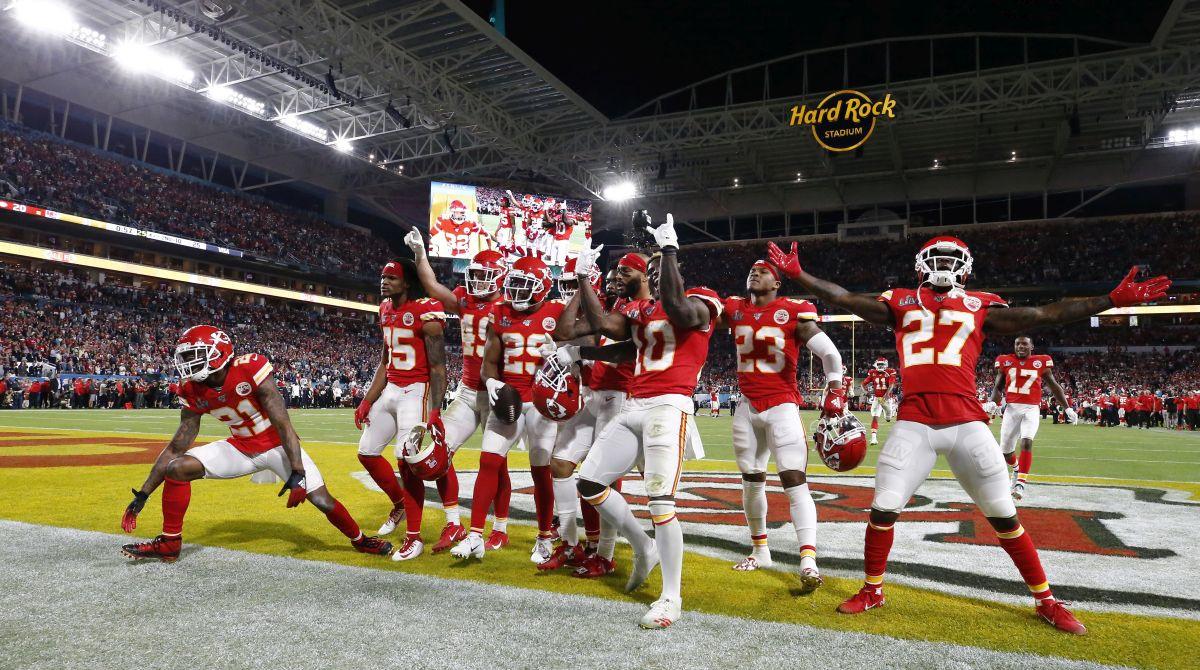 U NFL-u se gledatelji vraćaju na tribine, ali u ograničenom kapicitetu