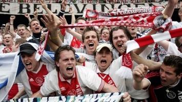 Privedeno 95 navijača Ajaxa