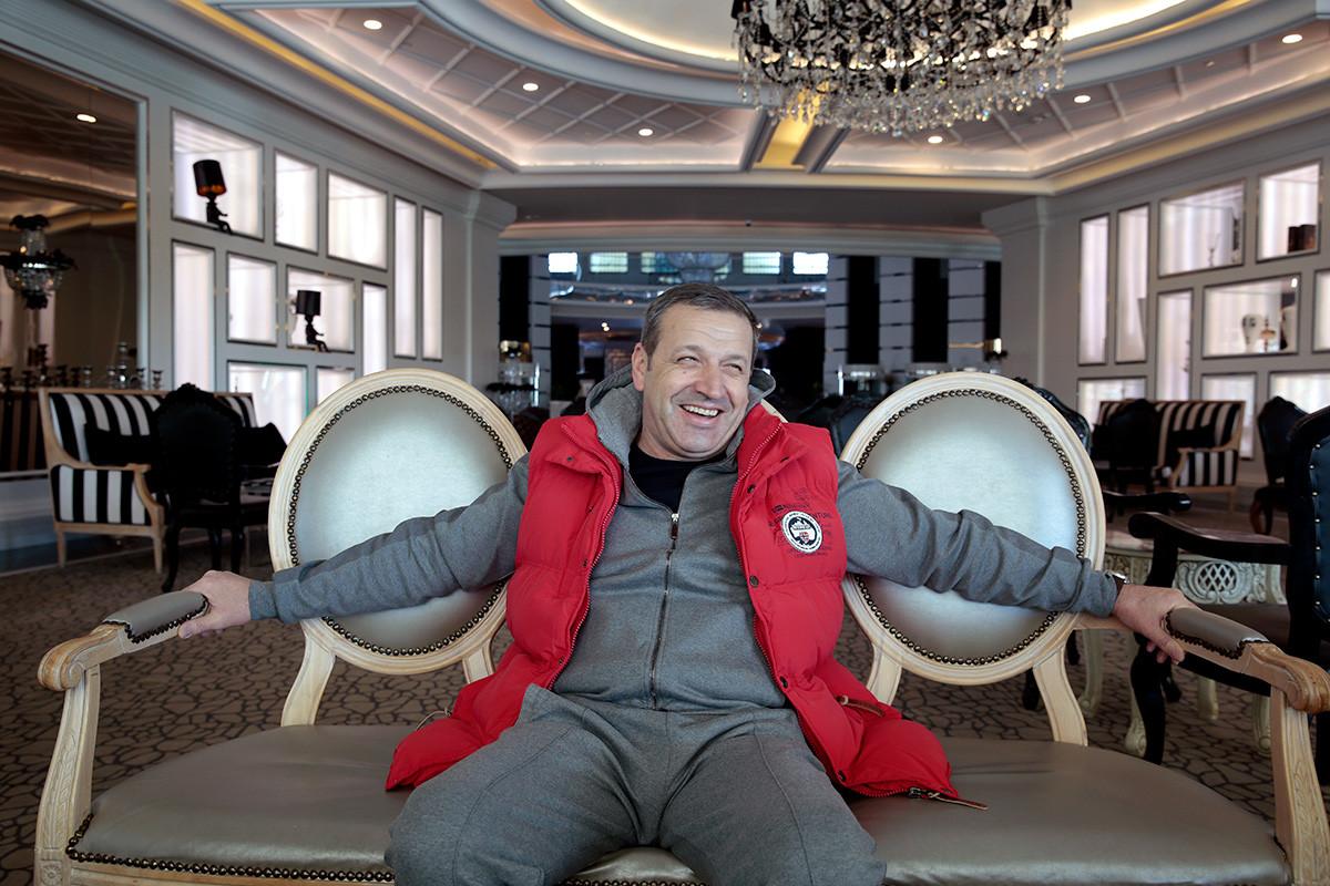 """""""Sarajevski klubovi zovu za Fanima, i jedni i drugi. Za sada su im slabe ponude..."""""""