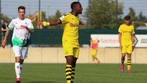 Borussia ima pravu zvijer: 14-godišnjak postigao hat-trick za samo osam minuta!