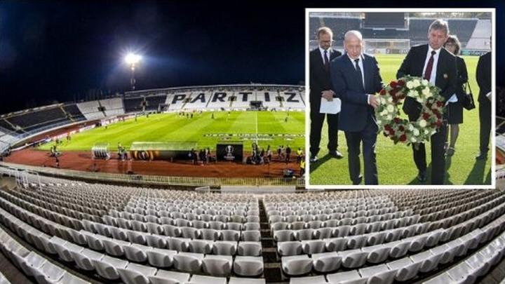 Delegacija Manchester Uniteda položila vijenac na stadionu Partizana