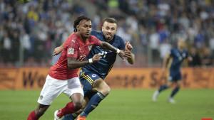 Zov novca: Elvis Sarić dogovorio novi transfer?!