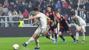 """Penal koji je podigao prašinu: Duel Sanabrije i Ronalda u """"super slow motionu"""""""