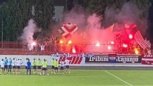 Spektakl Ultrasa na tribinama pred početak nove sezone u Premijer ligi