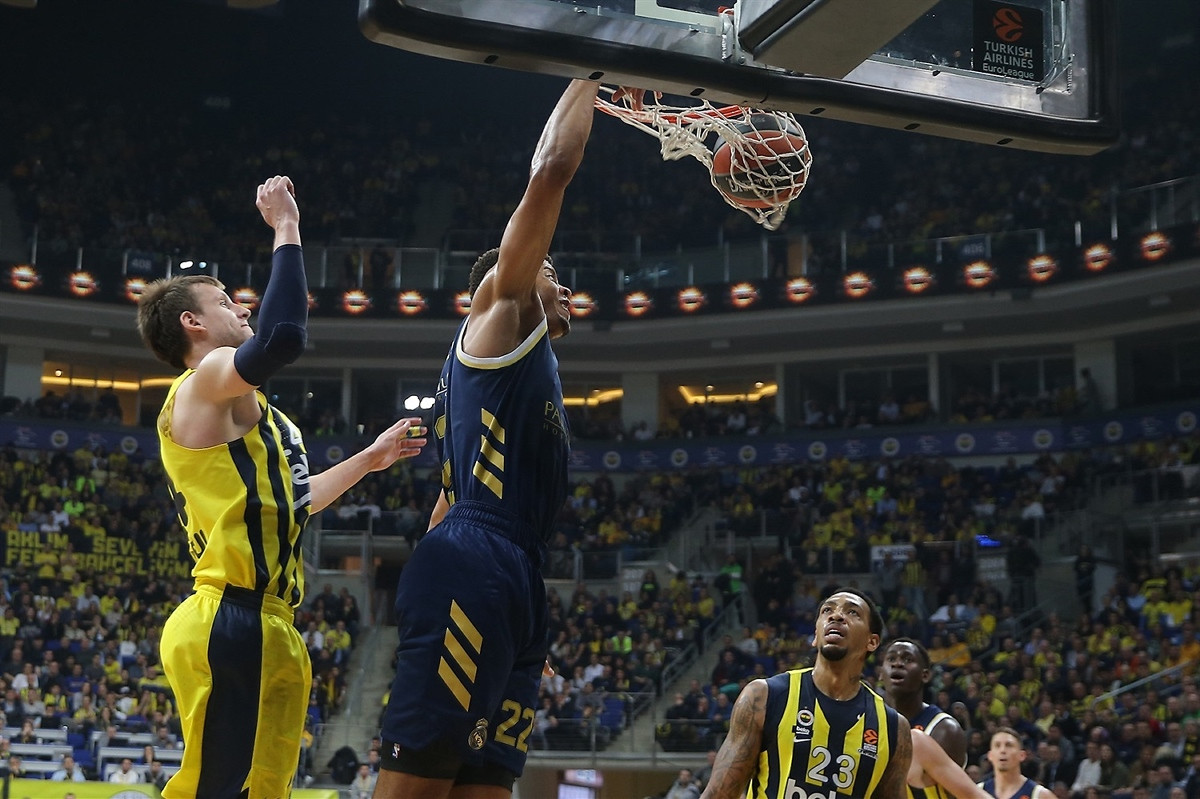Real deklasirao Fenerbahce u Istanbulu
