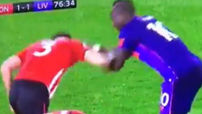 Yoshida htio da se tuče s igračem Liverpoola, a onda shvatio da je to Sadio Mane