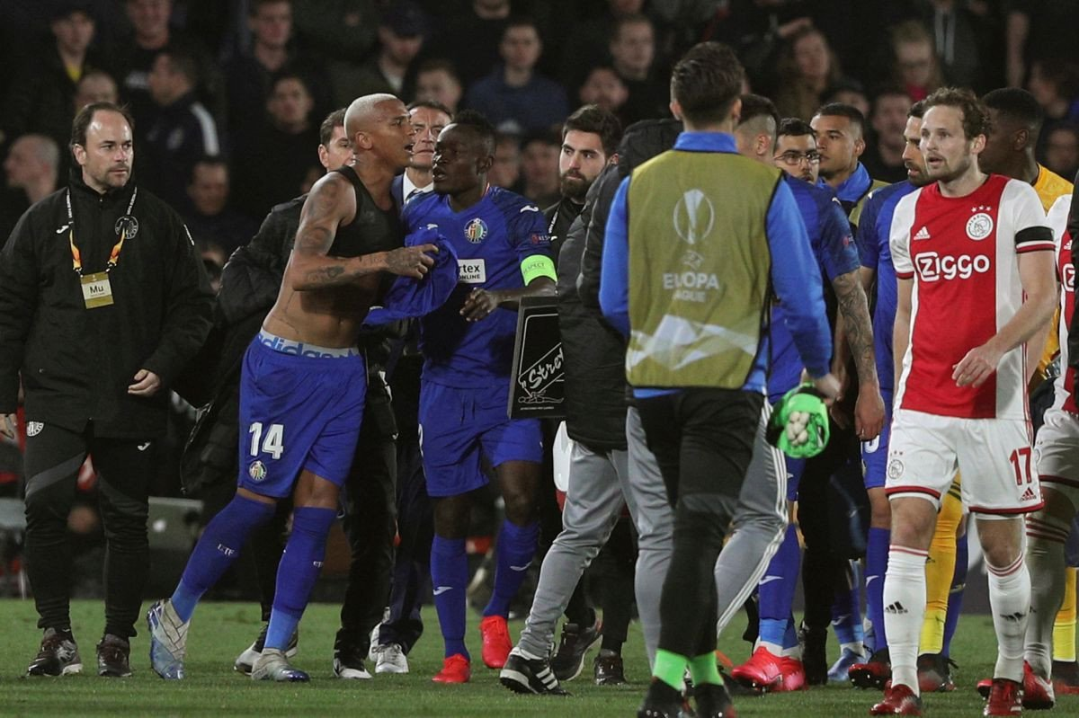 Getafe iskoristio naivnost Ajaxove odbrane i stekao veliku prednost, remiji u Danskoj i Rumuniji
