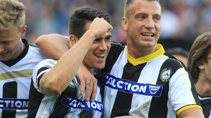 Fudbaleri Udinesea protiv Lazija u 10 različitih dresova