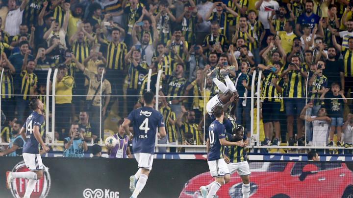 Fenerbahče petardom otvorio novu sezonu, domaći tim dobio tri penala u periodu od 18 minuta