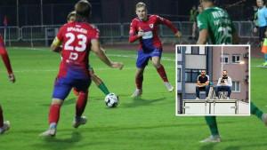Dvojica navijača Borca došli do briljantne ideje kako da prate meč protiv Tuzla Cityja