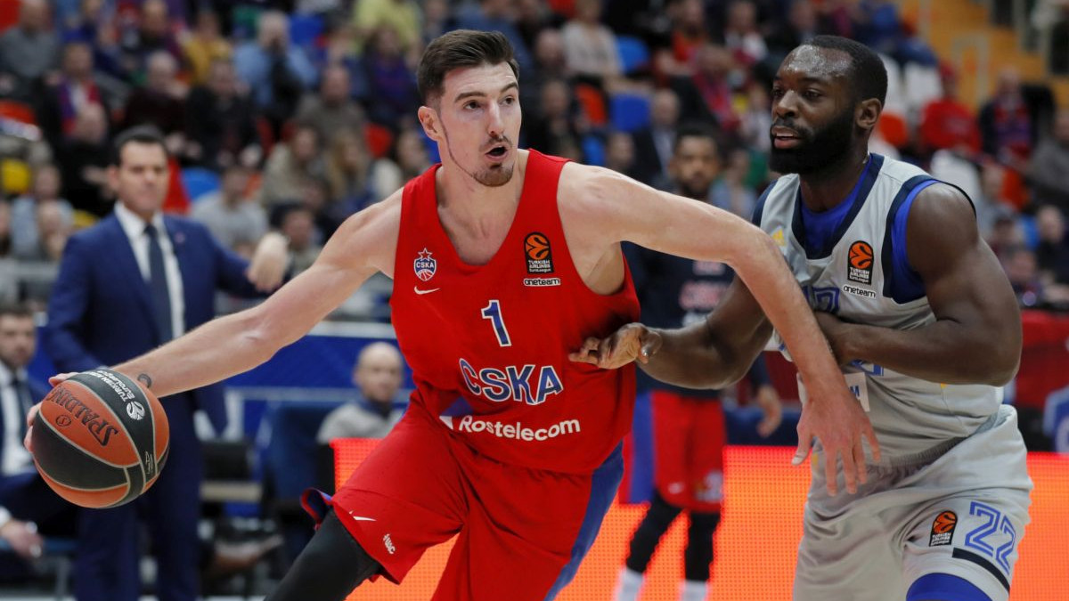 Košarkaši Budućnosti će večeras sanjati De Cola