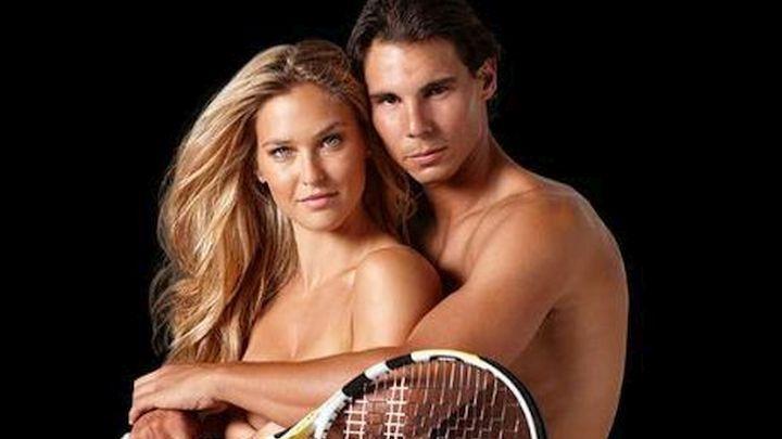 Stidljivi Nadal uživao u zagrljaju gole manekenke