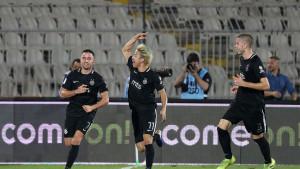 Partizan srušio Zvezdu u velikom derbiju, sukobi navijača obilježili meč