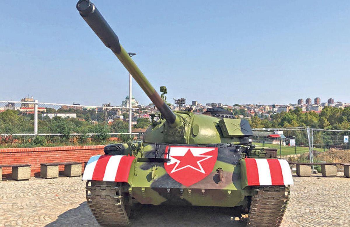 """""""To je tenk iz Vukovara, da se ja pitam, na njemu bi ostala hrvatska zastava..."""""""