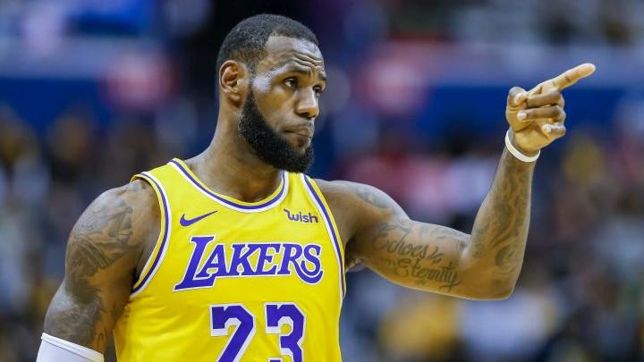 LBJ dočekan povicima: Kobe je bolji!