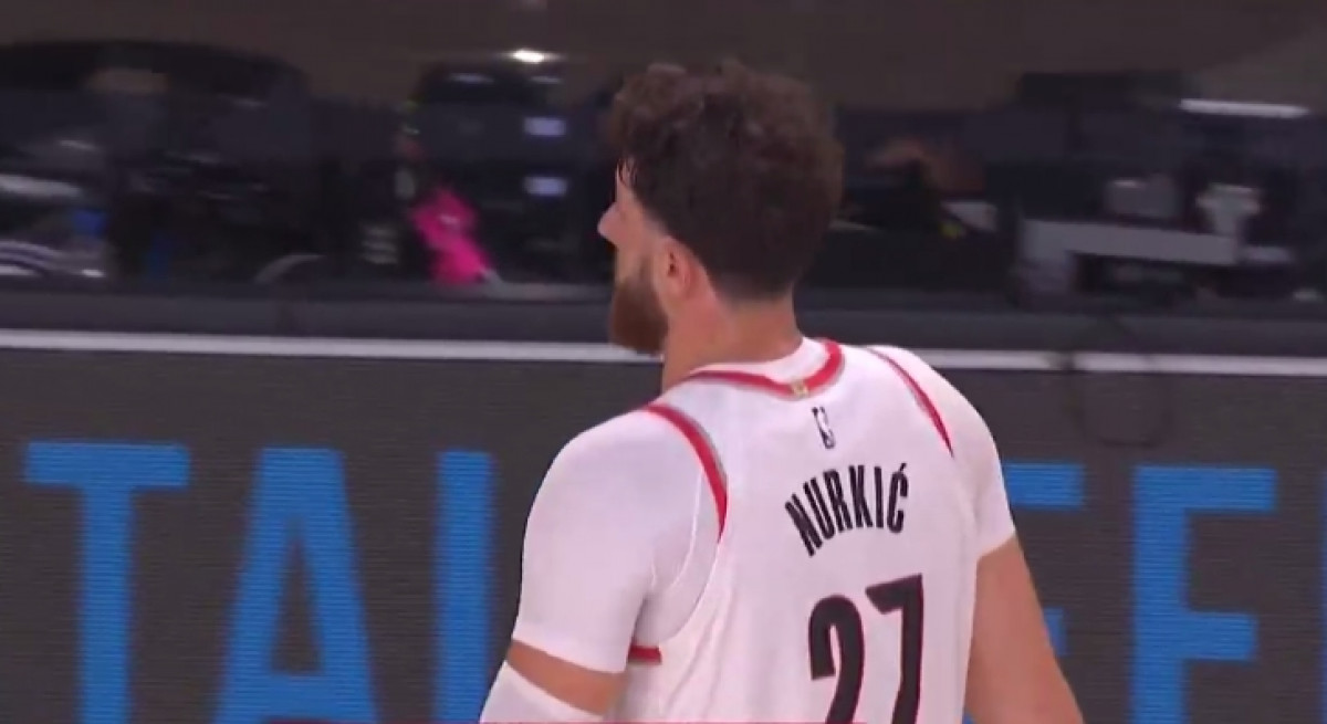 Nurkić vratio dres sa prezimenom usred utakmice