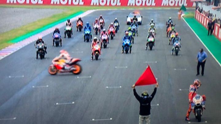 Potpuni cirkus: Ovakav start trke Moto GP ne pamti!