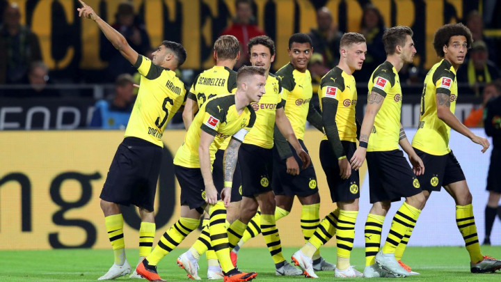 Borussia Dortmund zgadila život Nurnbergu