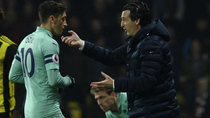 Emery: Igrači nisu htjeli da Ozil bude kapiten