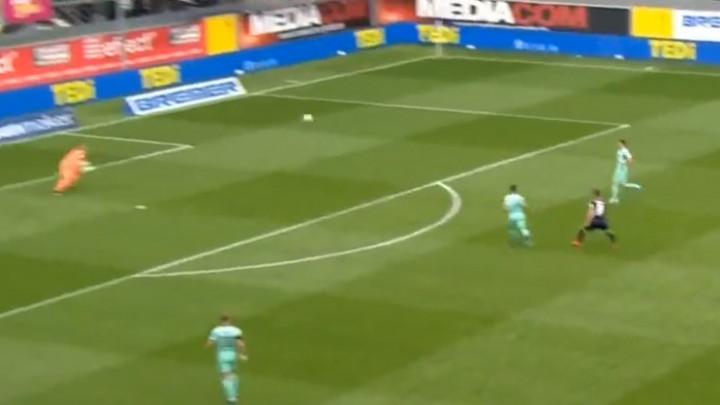 Samo je mogao da se uhvati za glavu: Bičakčić napravio veliku grešku i poklonio gol protivniku